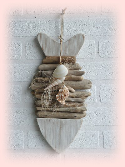 PESCE decorativo con legni di mare