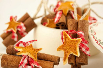 Segnaposto Natalizi Con Cannella.Decorazione Per Albero Di Natale Cannella E Arancio
