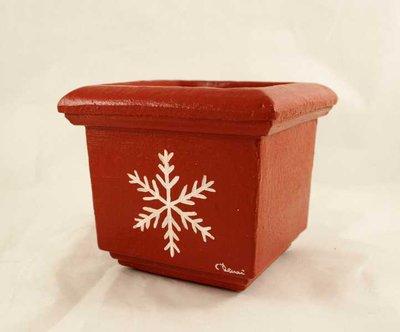 Coccetto in terracotta con fiocco di neve