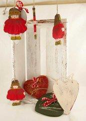 Bambolina in legno . Decorazione natalizia