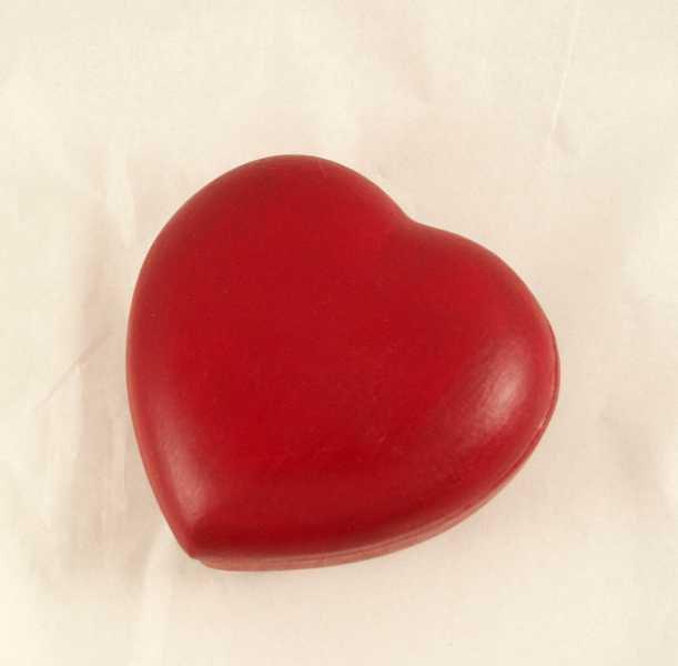 cuore rosso di terracotta