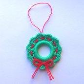 Mini ghirlanda di Natale verde e rossa, decorazione natalizia, fatta a mano all'uncinetto