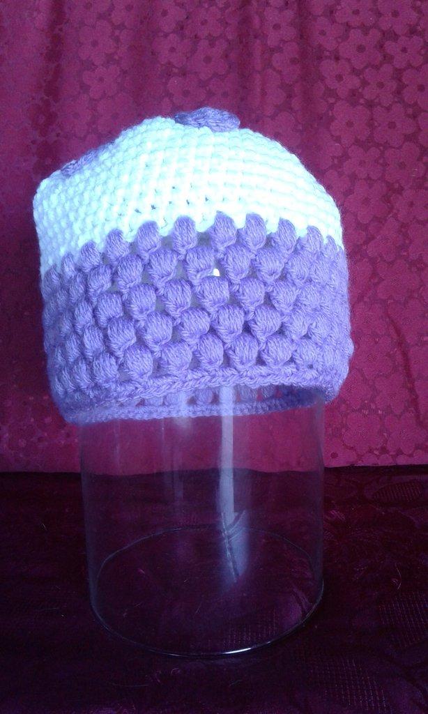 cappello di lana donna lavorato ad uncinetto