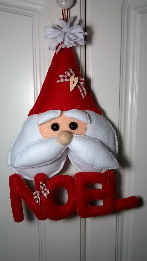 Decorazione natalizia fuoriporta babbo natale in pannolenci fest su misshobby - Decorazione natalizia per porta ...