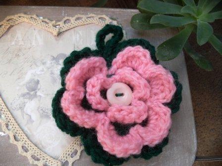 Un fiore di lana come porta chiavi