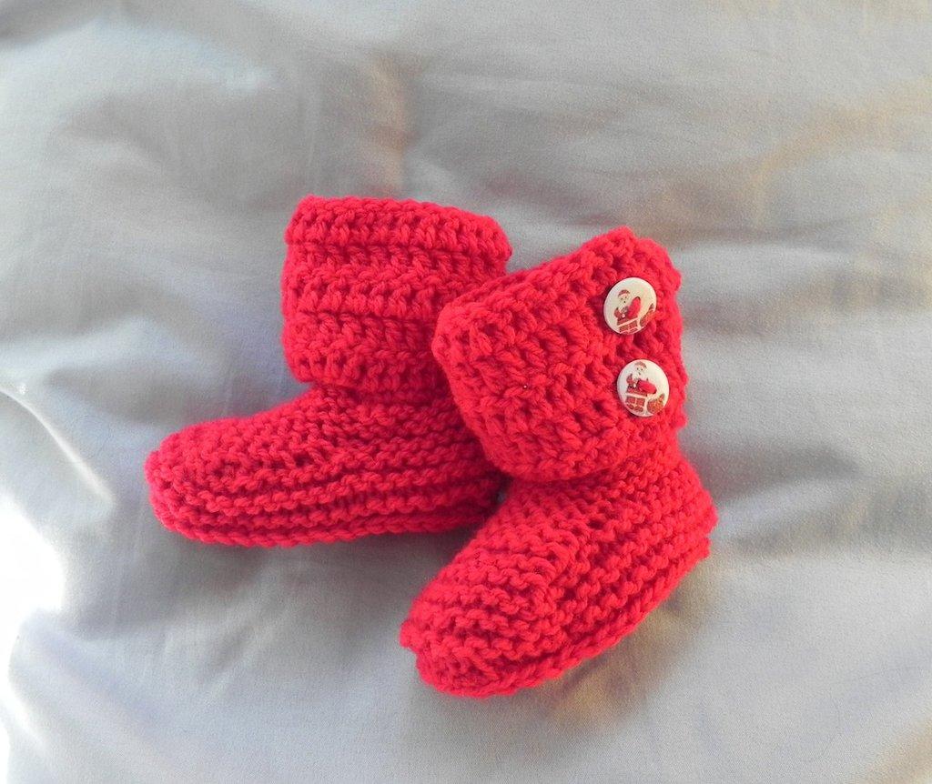 Stivaletti da 1 a 4 mesi circa stile Hugg ai ferri e ad uncinetto Rosso-bordeaux con bottoni BABBO NATALE
