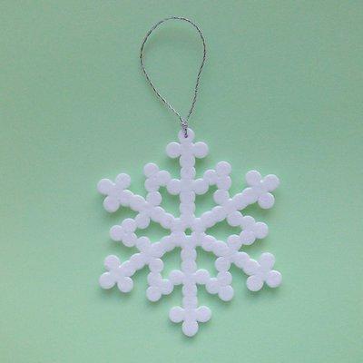 Fiocco di neve bianco in hama beads fatto a mano, addobbo e decorazione per l'albero di Natale