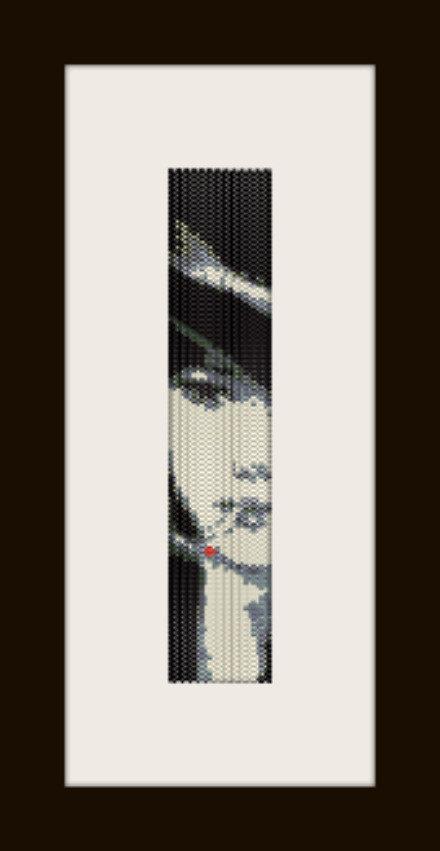 PDF schema bracciale donna che fuma in stitch peyote pattern - solo per uso personale