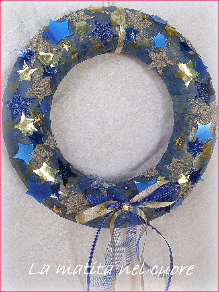 Ghirlanda di Natale Stelle blu e oro realizzata a mano