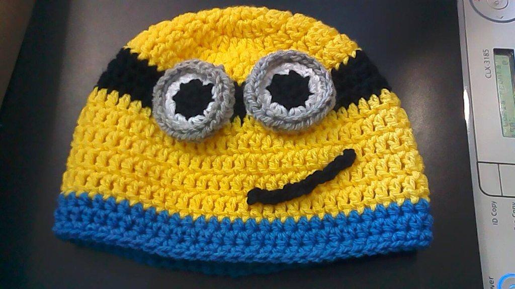 cappello minion uncinetto per bimbo
