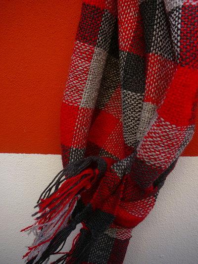 sciarpa in lana ,lavorata al telaio