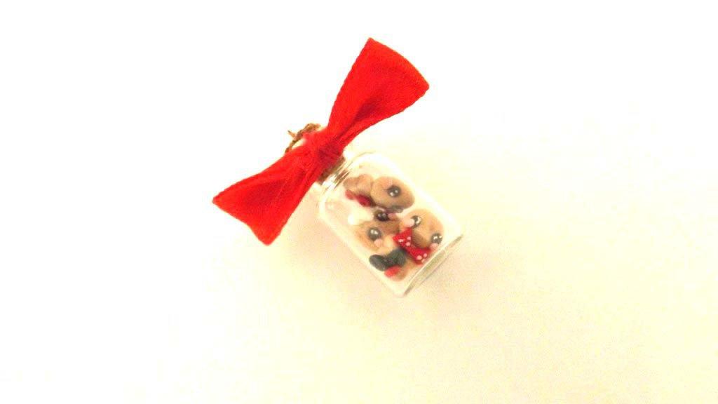 JUST XMAS - Ciondolo in VETRO con  biscottini OMINI di Pan di zenzero di soli 4 mm - fimo - idea regalo
