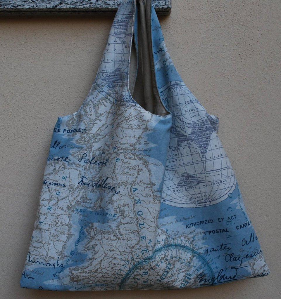 Borsa con cartina geografica