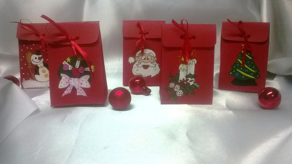 Scatoline porta regali natalizie