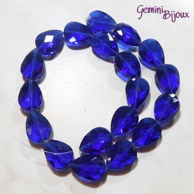 Goccia in vetro sfaccettata blu trasparente mm. 18x13x10