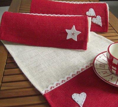 Tovagliette Americane Feltro.Set 2 Tovagliette Americane Di Juta Rosso E Bianco Decorazioni Cuore O Stella Pizzo E Feltro Dimensione 50x30cm San Valentino
