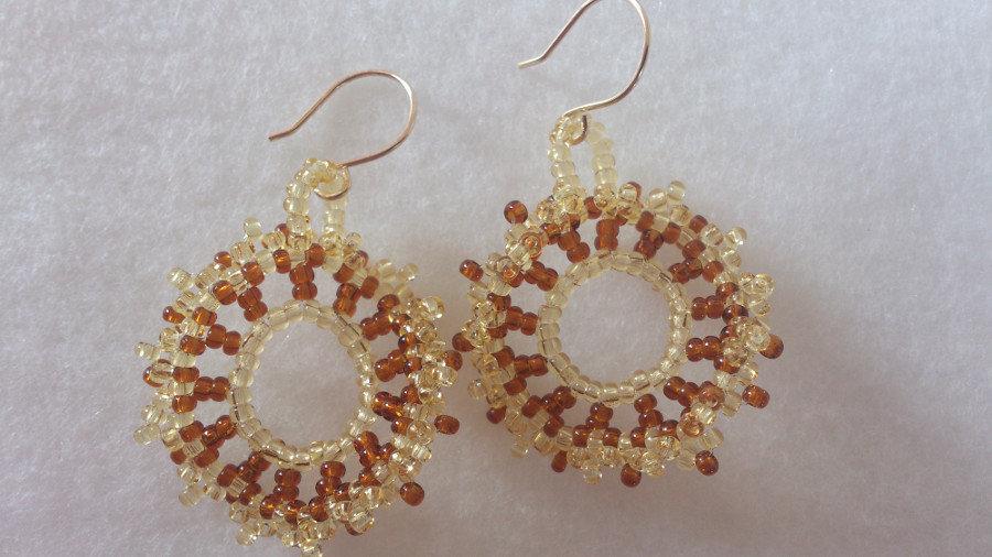 """orecchini """"onda"""" color marrone e sabbia, orecchini pendenti, a cerchio"""
