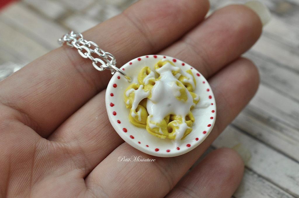 Collana di Natale- Miniature Cibo scala 1:12-Tortellini alla Bolognese-Tortellini alla Panna-Catena colore Argento
