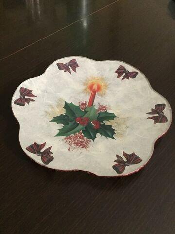 Piatto natalizio in vetro decorato a mano
