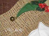 Runner di Natale in ciniglia beige.