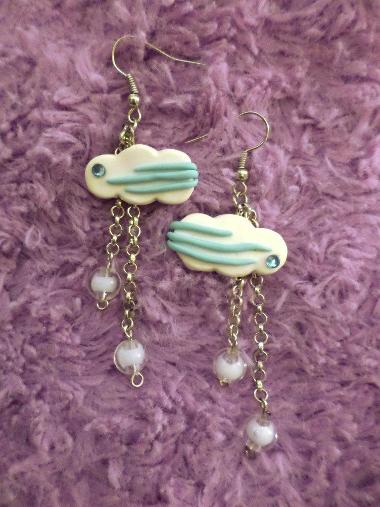 Orecchini Nuvoletta e piogga con brillantino azzurro e perline