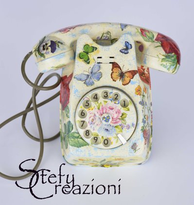 Telefono in decoupage