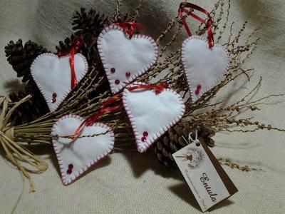 5 decorazioni in feltro natalizie- cuori albero di Natale - Varieta' di opzioni colore