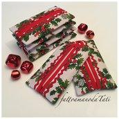 Porta fazzoletti di carta in cotone fantasia natalizia con agrifoglio piccolo su sfondo bianco