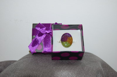 anello in vetro decorato a mano