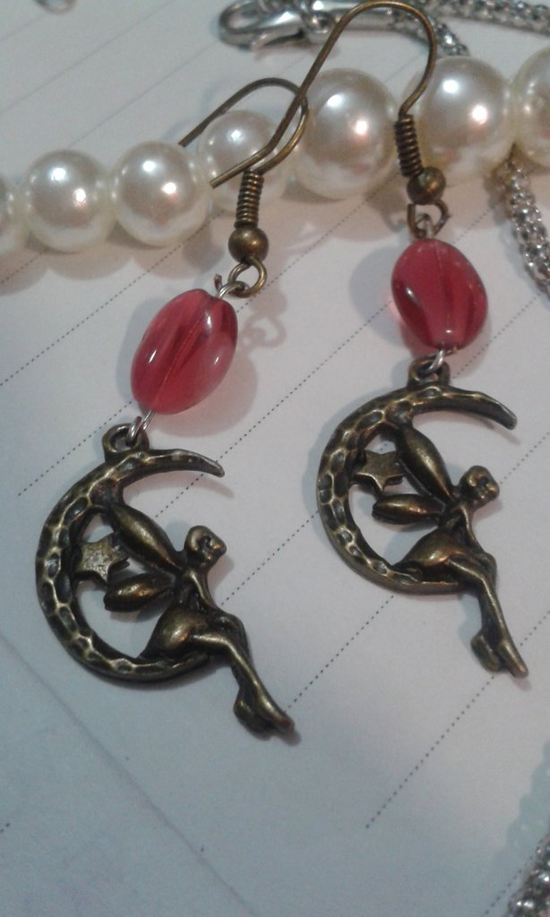 Orecchini bronzo antichizzato fata e perle