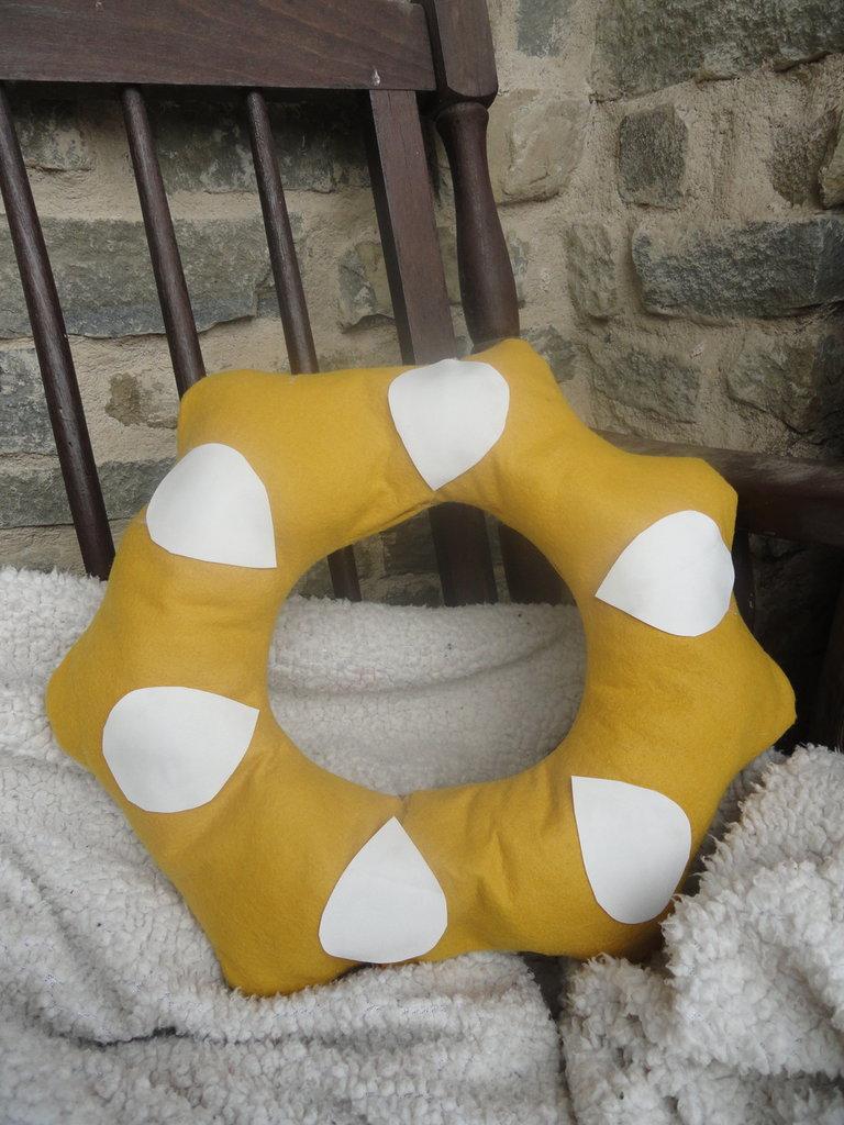 Cuscino goloso in feltro