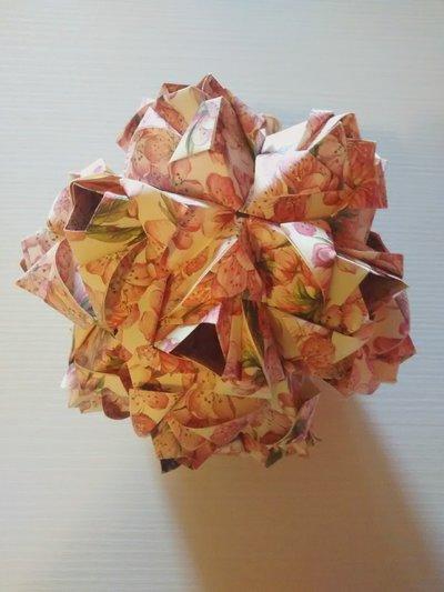 Decorazione, arredamento per la casa,kusudama modulare, origami