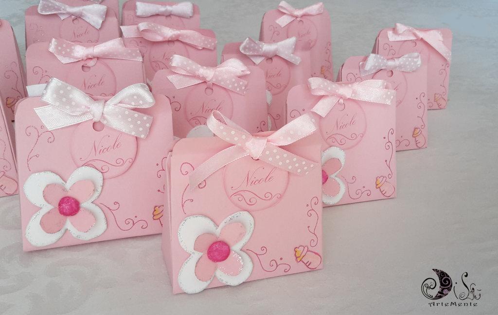 Sacchetti portaconfetti nascita e battesimo rosa per bimba con fiore e fiocco personalizzabile confezionamento completo