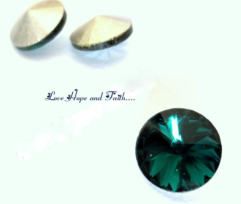 """Rivoli in vetro (diam. circa 10 mm) """"Verde smeraldo"""" (cod new)"""