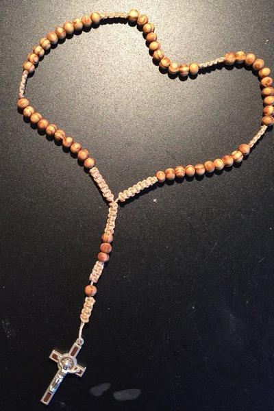 Rosario con perline in legno