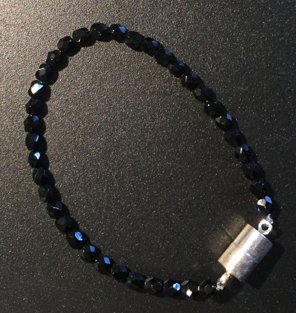 Bracciale con perline nere