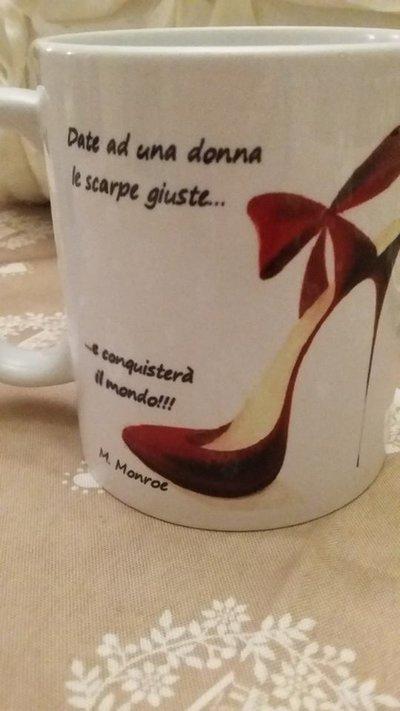 Tazza mug ceramica 10oz scritta frase marylin monroe con scarpe