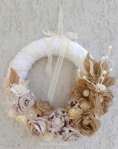 Corona decorativa, burlap, fiori di stoffa, decor per Natale, le nozze
