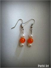 Orecchini pendenti bianco arancio