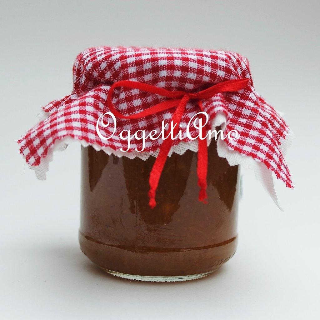 Coprivasetti in stoffa a quadretti: un'idea country per decorare le vostre marmellate!