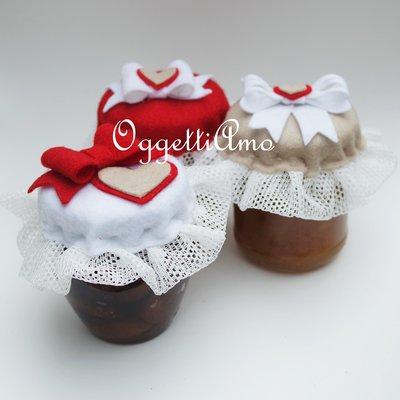 Set di 3 coprivasetti in feltro rosso, beige e bianchi per decorare le vostre marmellate!