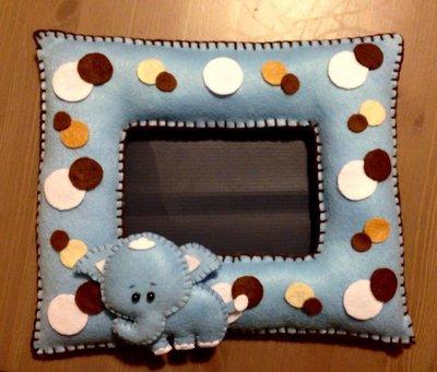 Cornice porta foto in pannolenci imbottita con elefantino