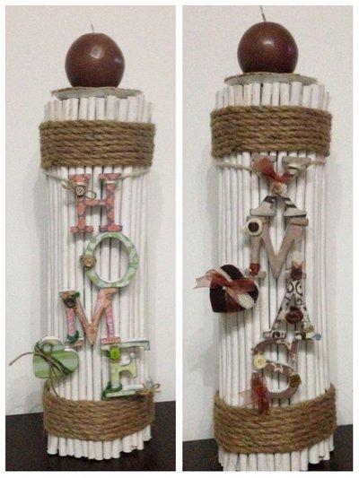 Porta candela in rami e corda con scritte in legno