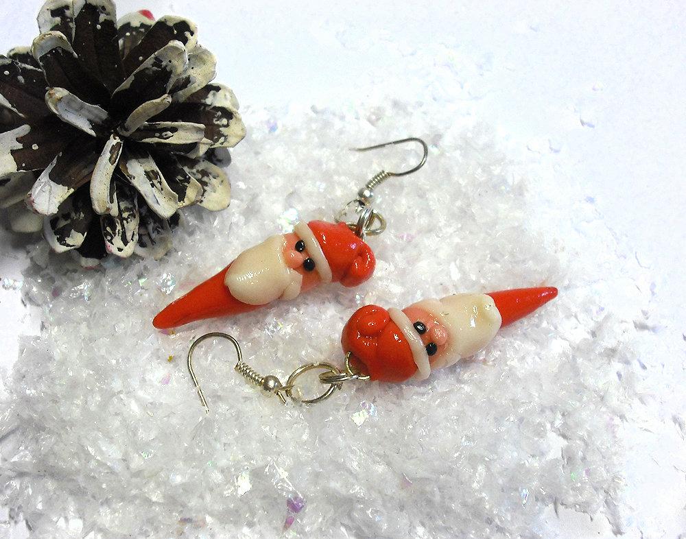 Orecchini Babbo Natale modellati a mano in porcellana fredda, idea regalo