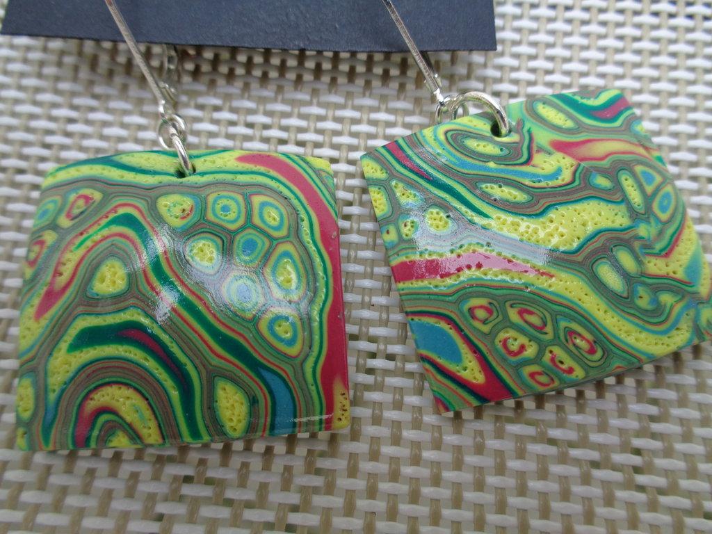 Orecchini in pasta polimerica quadrati multicolor