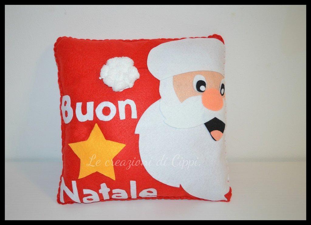 Cuscino in pannolenci Babbo Natale fatto a mano.