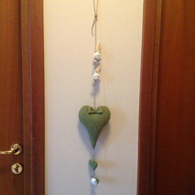 Cuore in feltro verde