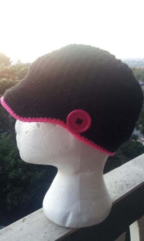 Cappello donna all'uncinetto
