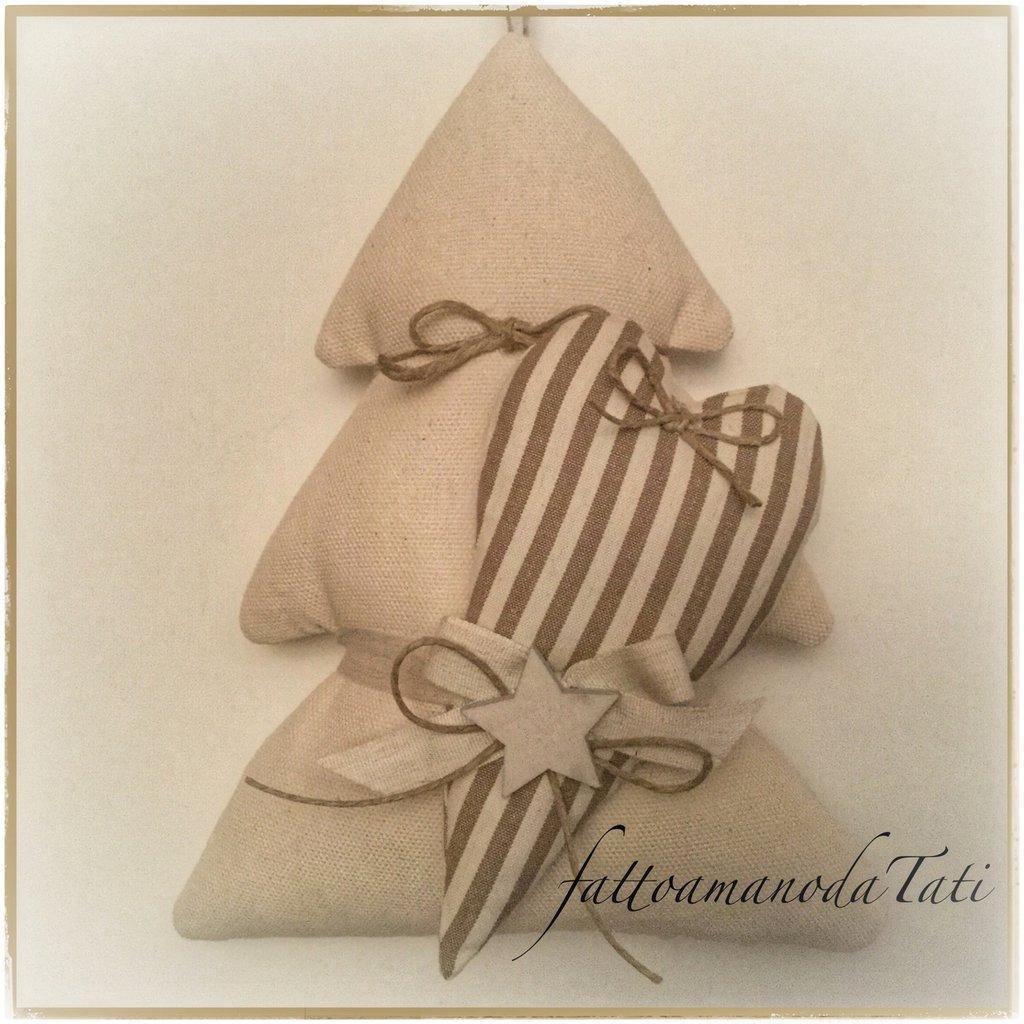 Albero in cotone tinta naturale con cuore a righe nocciola e stella