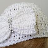 elegante cappellino neonato uncinetto